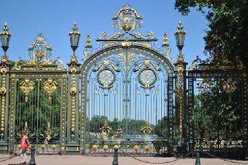 Самые известные и красивые кованые ворота мира