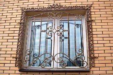 Где купить кованые решетки на окна в Липецке по разумной цене
