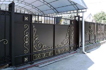 Необычные идеи для металлических ворот