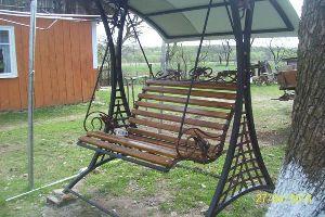 Изящные садовые качели в Липецке